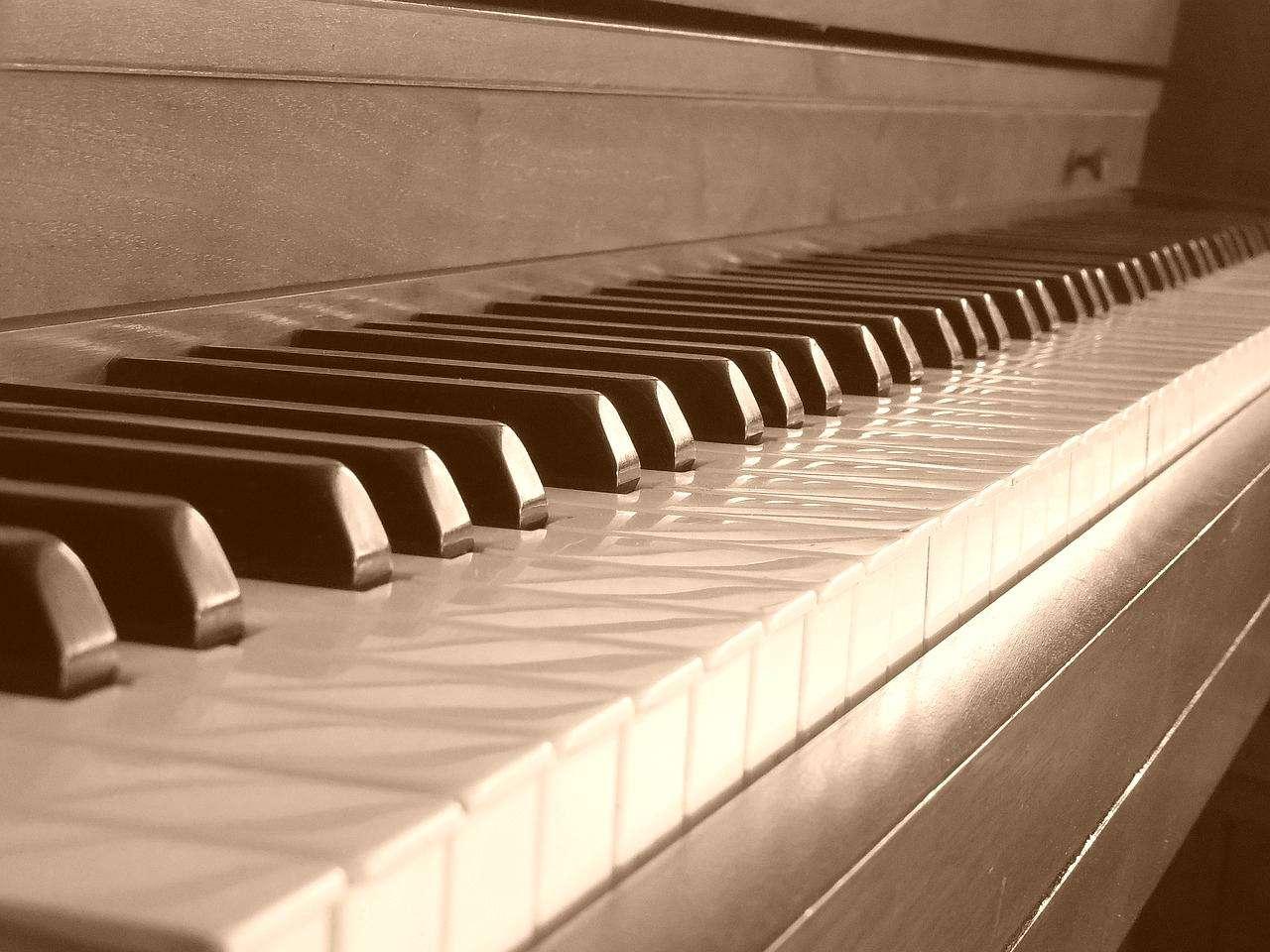 piano-658470_1280-vintage