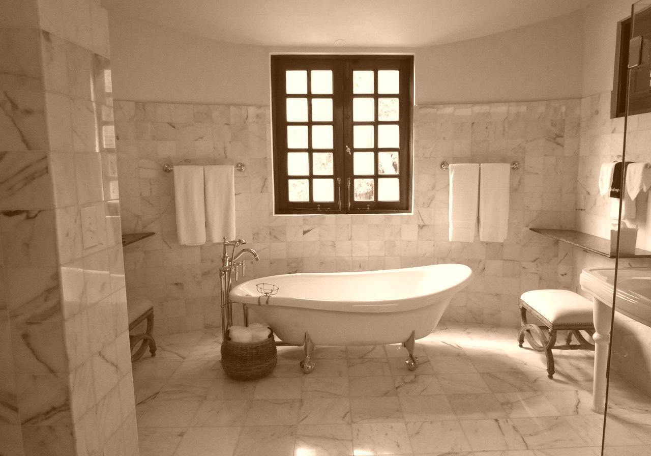 Comment Nettoyer Le Marbre Exterieur comment nettoyer et faire briller le marbre ? astuces azaé